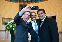 Bill Nye takes a selfie with US President Barack Obama and Neil deGrasse Tyson at the White House